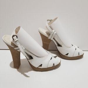 BNWOB Steve Madden White Sandal Heel Size 7.5